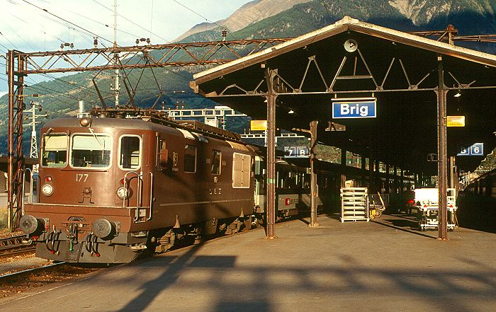 http://www.eisenbahnfotograf.de/ausland/bls/i3910719.JPG