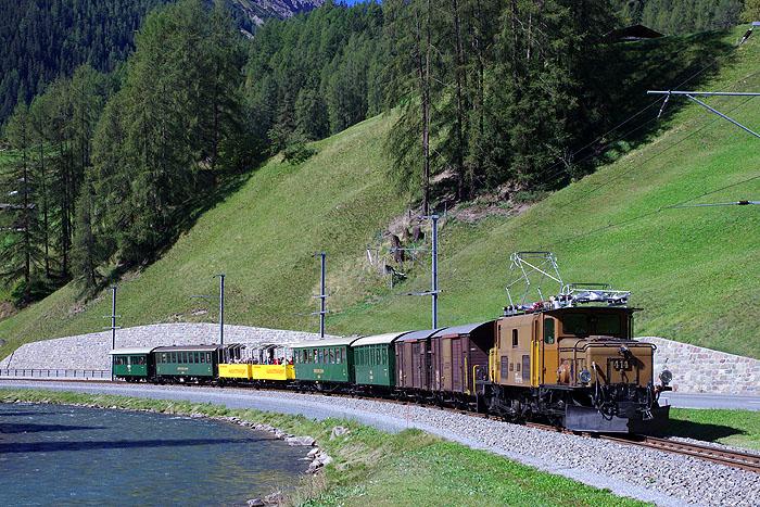 http://www.eisenbahnfotograf.de/ausland/rhb/IMGP5514.jpg