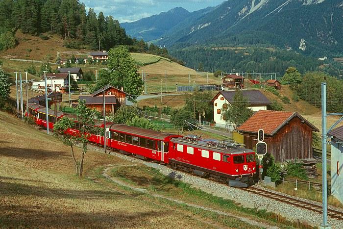 http://www.eisenbahnfotograf.de/ausland/rhb/i3920444.JPG