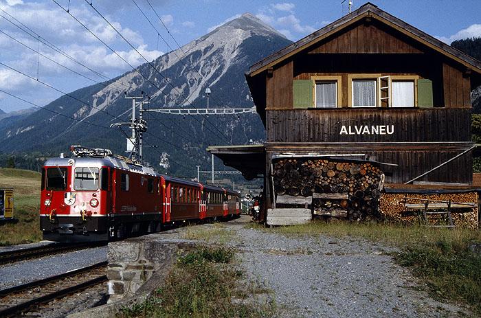 http://www.eisenbahnfotograf.de/ausland/rhb/i3920445.jpg