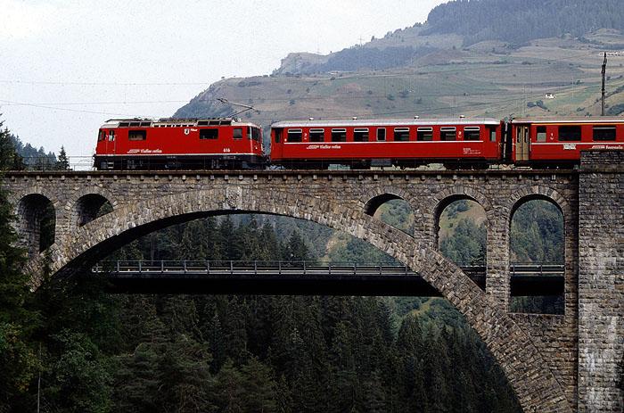 http://www.eisenbahnfotograf.de/ausland/rhb/i3920450.jpg