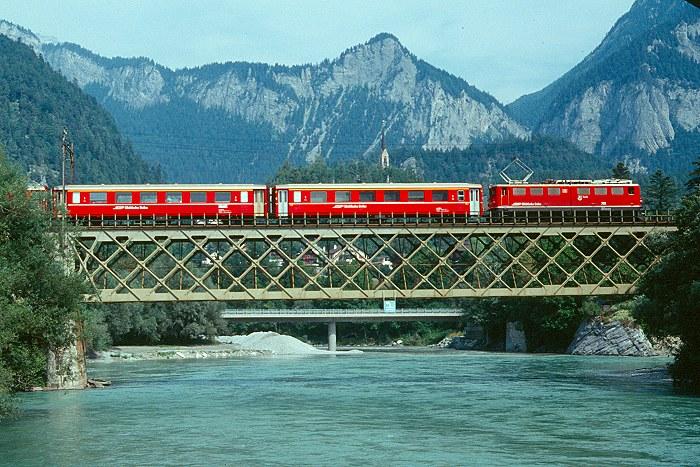 http://www.eisenbahnfotograf.de/ausland/rhb/i3920504.JPG