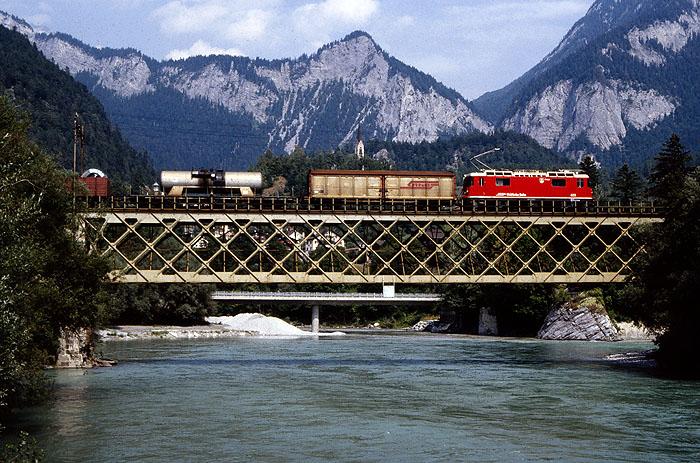 http://www.eisenbahnfotograf.de/ausland/rhb/i3920512.jpg