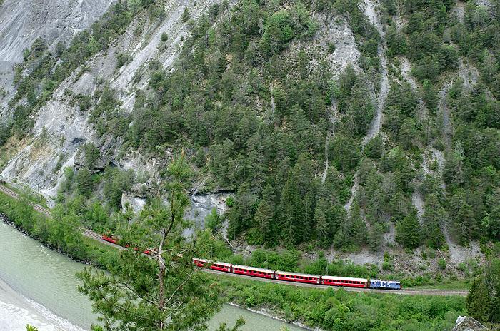 http://www.eisenbahnfotograf.de/ausland/rhb/i8002133.jpg