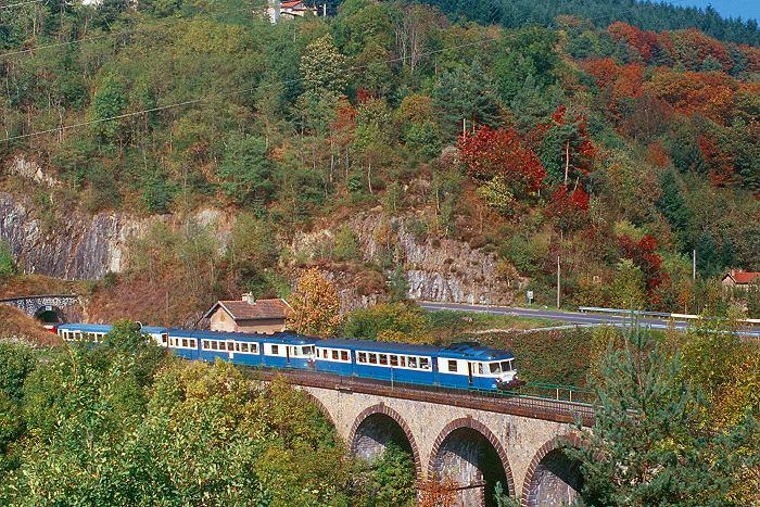 http://www.eisenbahnfotograf.de/ausland/sncf/i3950315.JPG