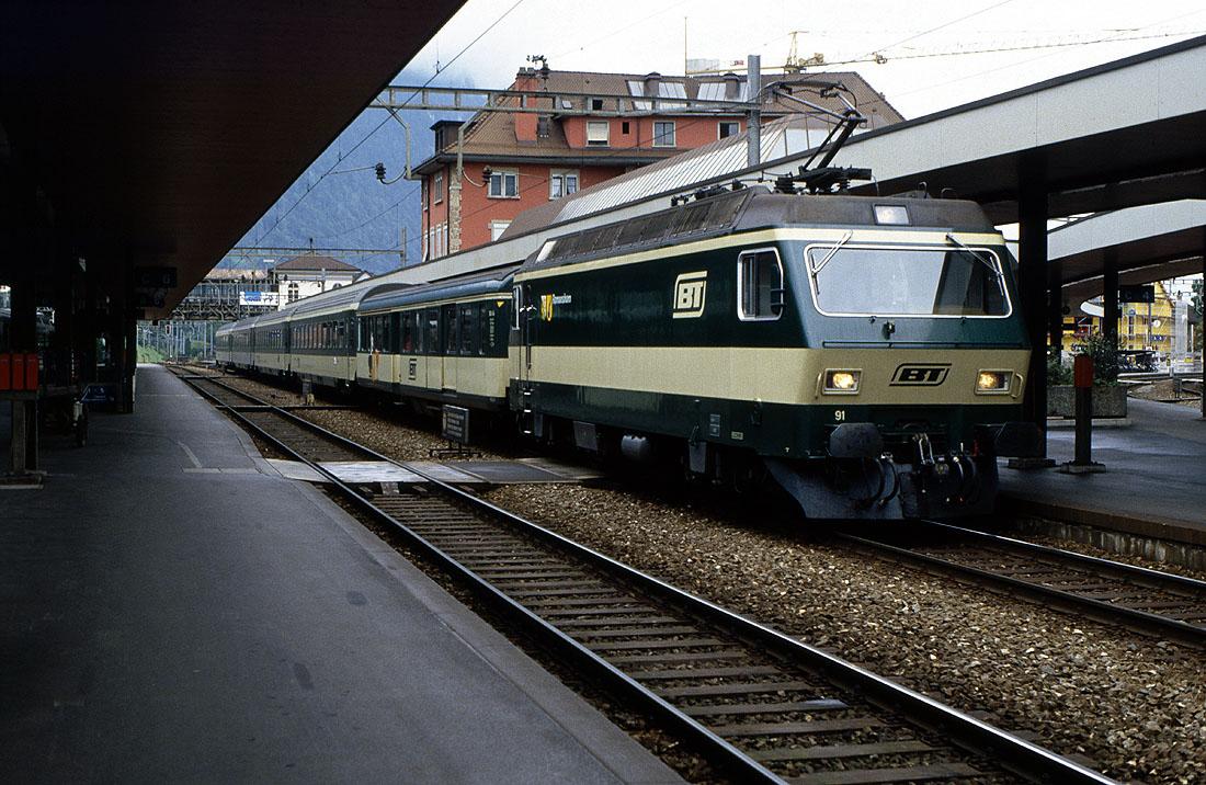 http://www.eisenbahnfotograf.de/ausland/sobbt/3910628%20BT%2091%20Arth-Goldau%2026.9.91%202569.jpg