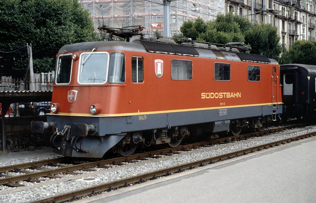 http://www.eisenbahnfotograf.de/ausland/sobbt/3910819%20SOB%2042%20Luzern%2029.9.91.jpg