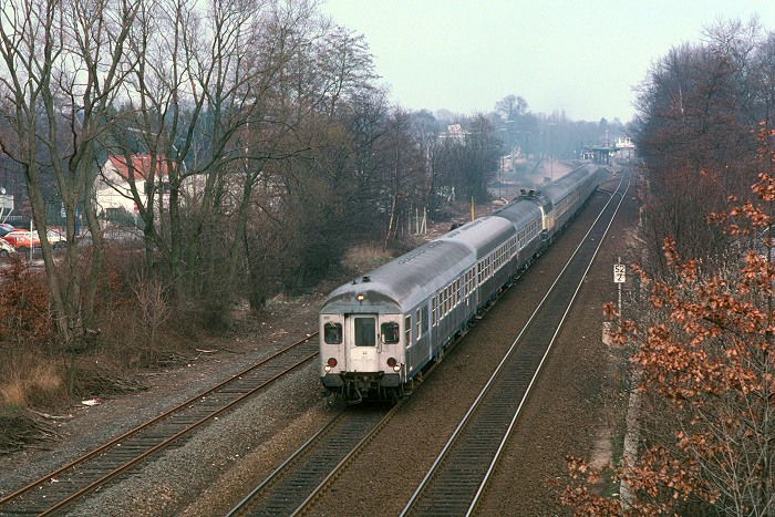 http://www.eisenbahnfotograf.de/dbdiesel/galerie218/i1470213.JPG