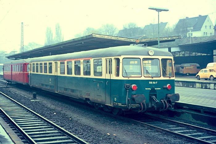 http://www.eisenbahnfotograf.de/dbtw/galerie515/i1450104.JPG