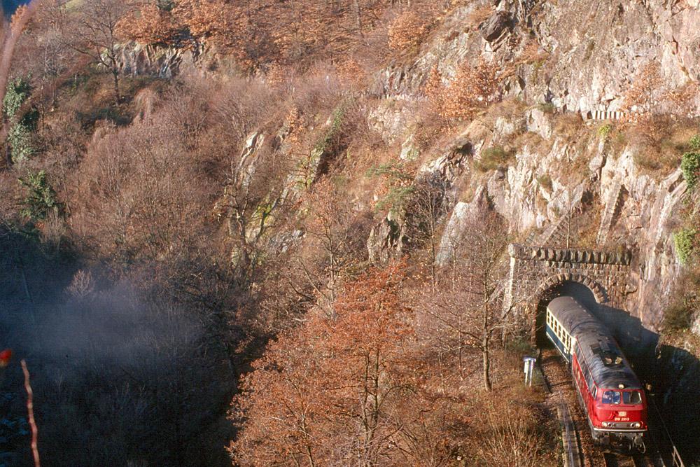 http://www.eisenbahnfotograf.de/strecken/kbs71041/i1120207.jpg