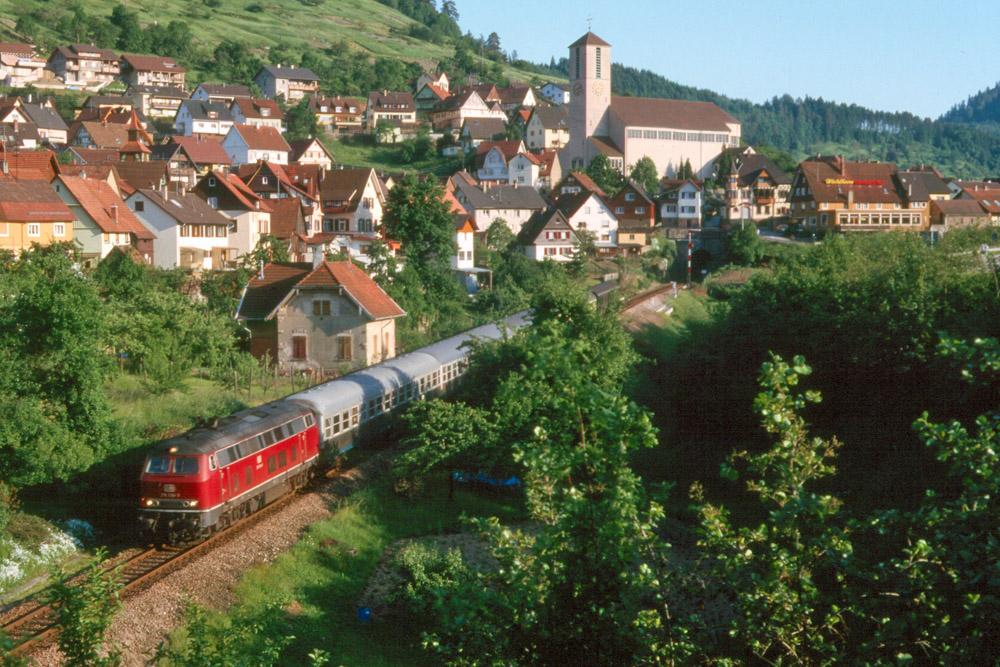 http://www.eisenbahnfotograf.de/strecken/kbs71041/i1120226.jpg