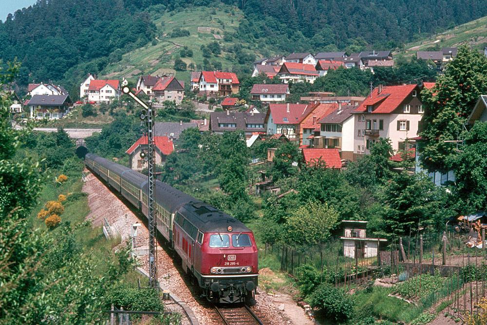http://www.eisenbahnfotograf.de/strecken/kbs71041/i1120227.jpg