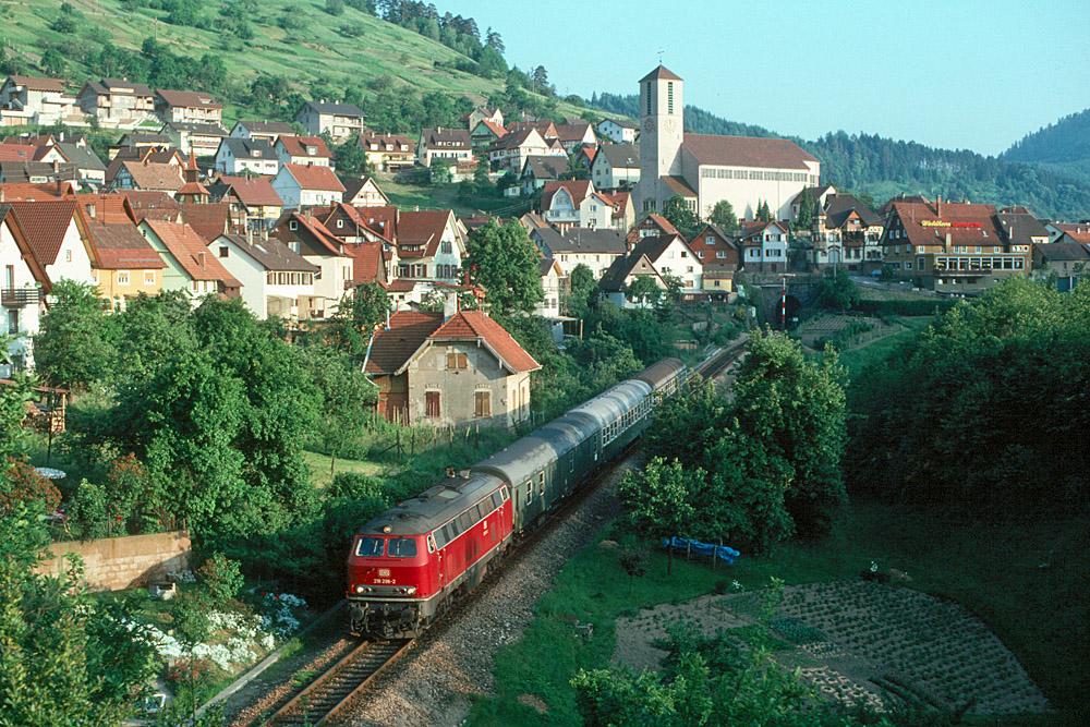 http://www.eisenbahnfotograf.de/strecken/kbs71041/i1220101.jpg