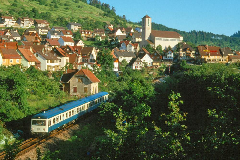 http://www.eisenbahnfotograf.de/strecken/kbs71041/i1940209.jpg