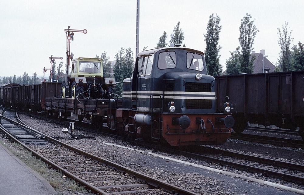 http://www.eisenbahnfotograf.de/strecken/kbs71041/i1980124.jpg