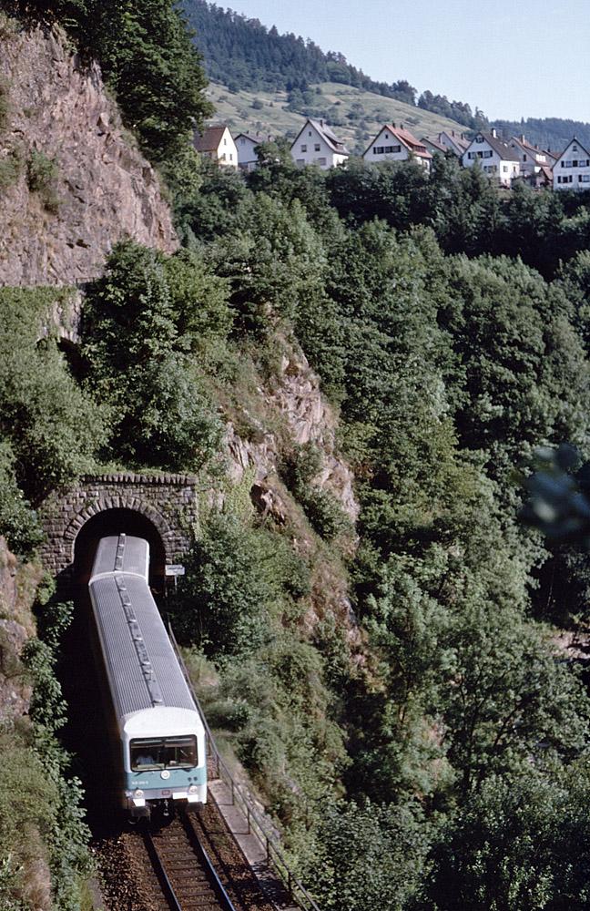 http://www.eisenbahnfotograf.de/strecken/kbs71041/i3890249.jpg