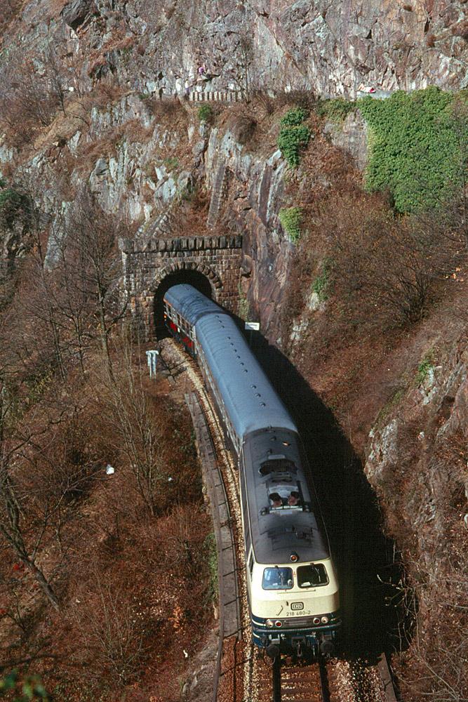 http://www.eisenbahnfotograf.de/strecken/kbs71041/i3920112.jpg