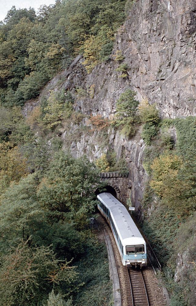 http://www.eisenbahnfotograf.de/strecken/kbs71041/i3930801.jpg