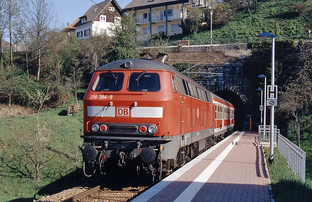 http://www.eisenbahnfotograf.de/strecken/kbs71041/i4040125.jpg